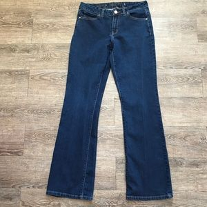 JENNIFER LOPEZ Bootcut dark wash mid rise jeans